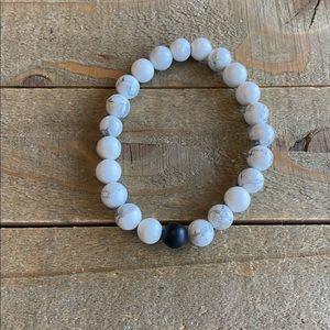 Handmade White Howlite & Black Onyx Bracelet